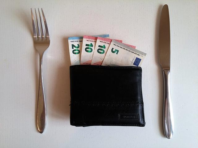 peněženka a příbor.jpg