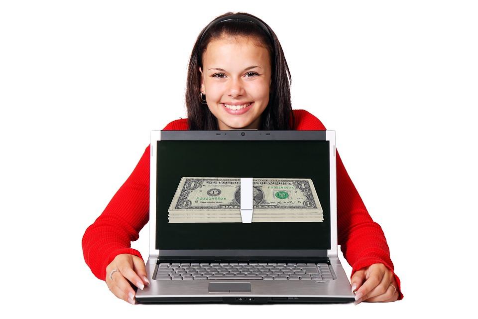 peníze přes počítač